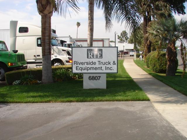 Riverside Truck  and  Equipment