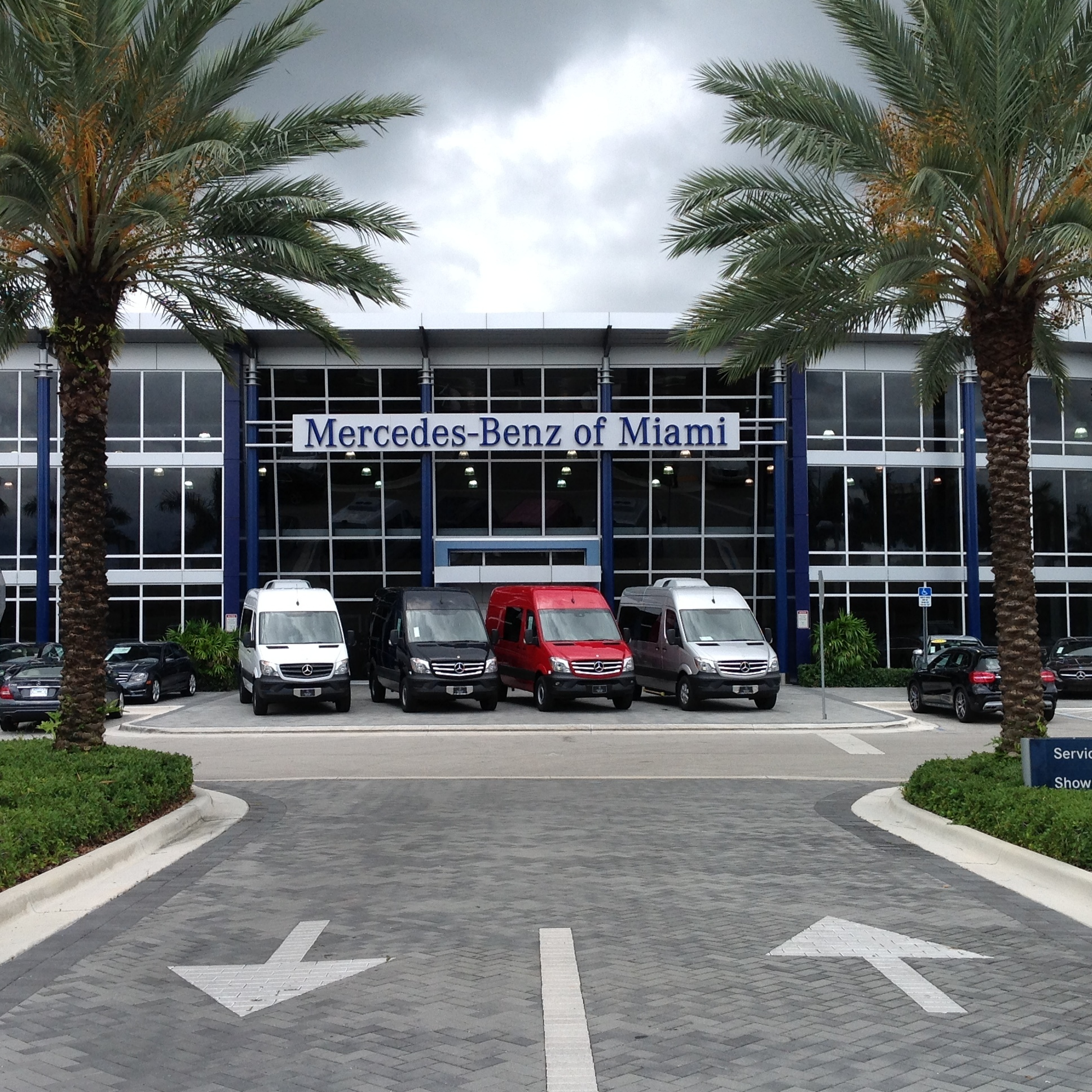Trucks for sale at mercedes benz of miami in miami for Mercedes benz dealers in florida
