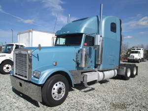 2004 FREIGHTLINER FLD132 CLASSIC XL