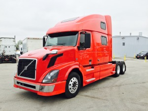 2009 VOLVO VNL64T780 Conventional - Sleeper Truck, Glendale Heights IL - 115541573 - CommercialTruckTrader.com