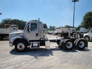 2005 FREIGHTLINER BUSINESS CLASS M2 Cab Chassis, Seminary MS - 118148809 - CommercialTruckTrader.com