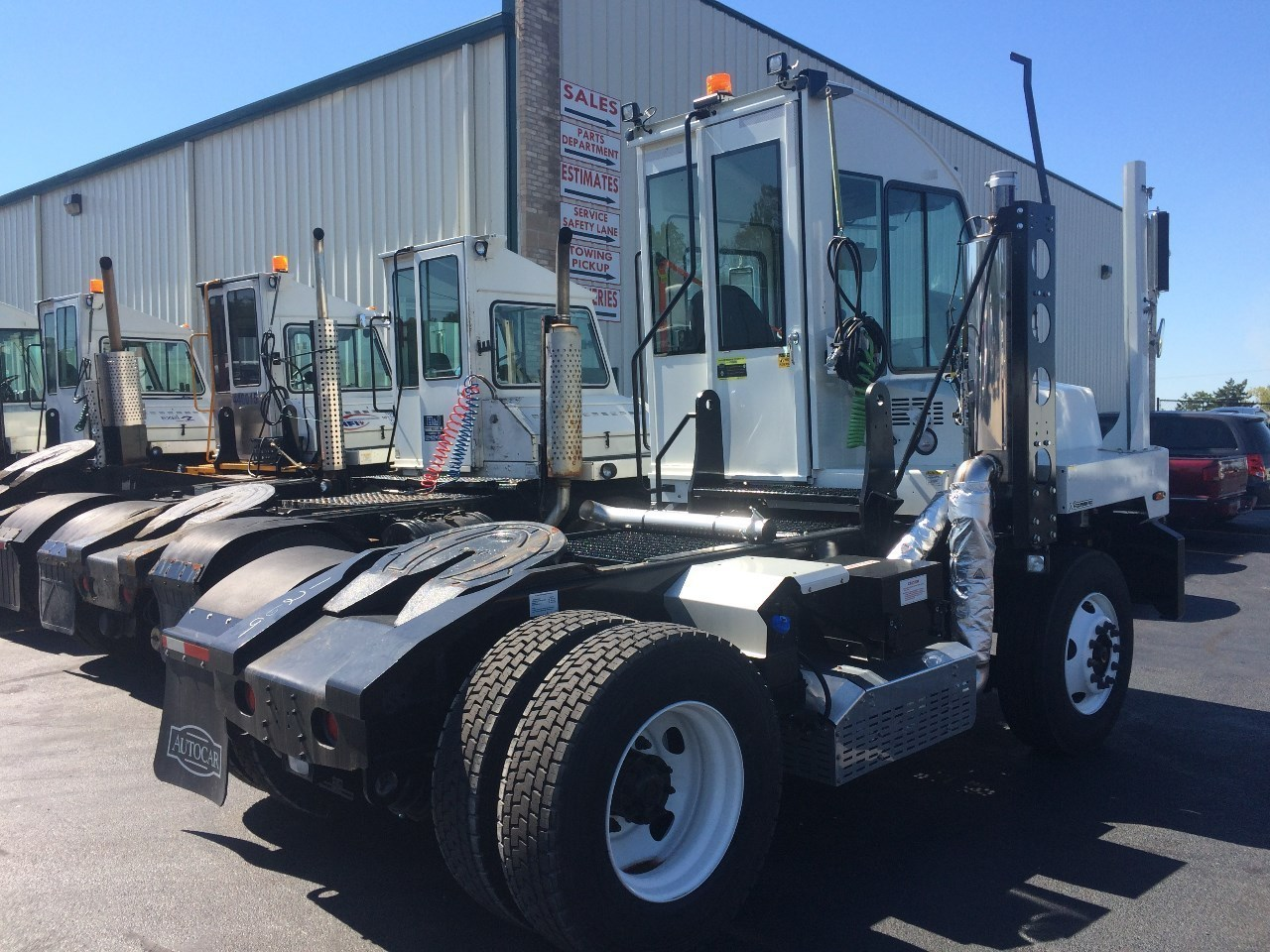 2017 Autocar Yard Tractor, Joliet IL - 117469805 ...