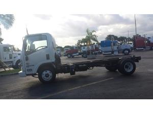 Isuzu npr class 4 class 5 class 6 medium duty flatbed trucks for 2017 isuzu npr box truck straight truck fort pierce fl 5000398130 commercialtrucktrader sciox Choice Image