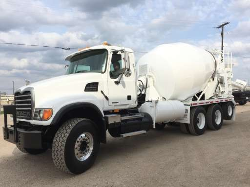 4cd49db8550f 2007 Mack CV713 Mixer Truck in Hutchins