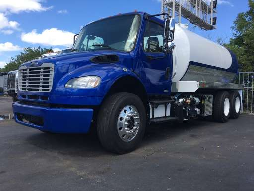 2011 FREIGHTLINER BUSINESS CLASS M2 112 Vacuum Truck, Septic