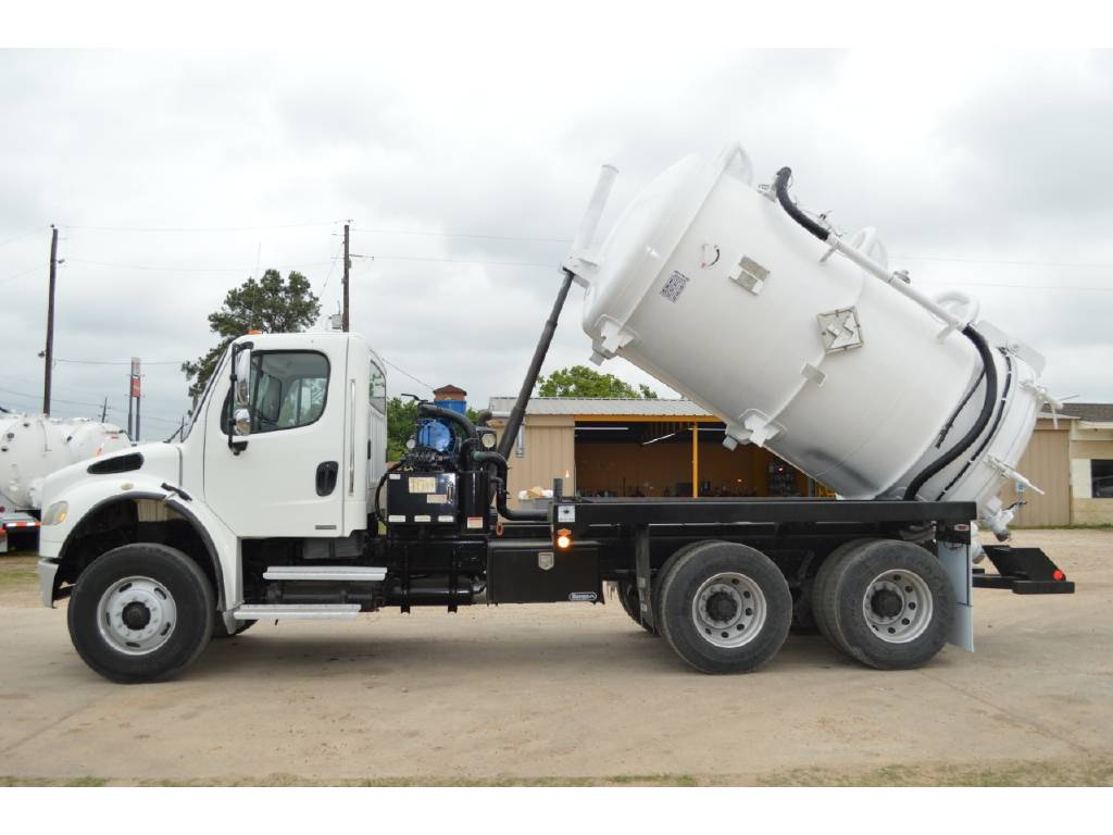 2007 Freightliner Business Class M2 For Sale in Brookshire, TX - Commercial  Truck Trader