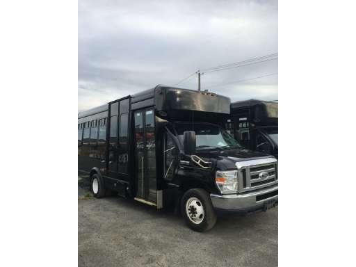 2014 Ford E450 Bus