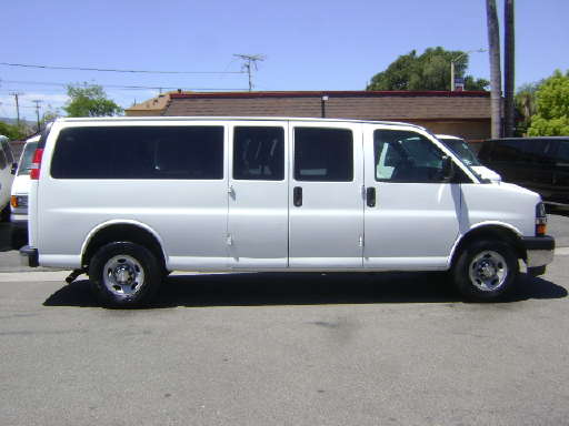 2012 chevy express 2500 specs