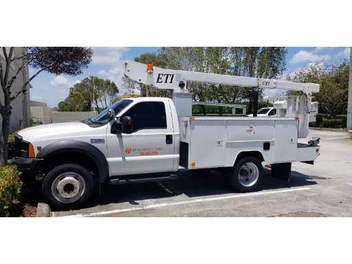 2006 FORD F450 Bucket Truck - Boom Truck