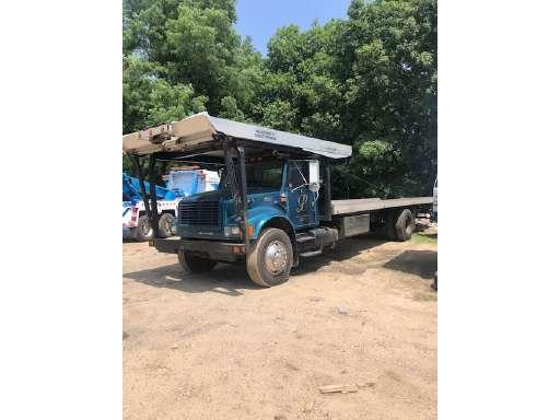 2001 International 4900 Rollback Tow Truck