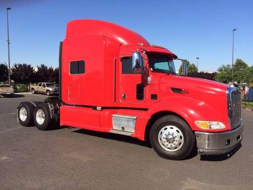 2014 Peterbilt 386 Conventional - Sleeper Truck, Tractor