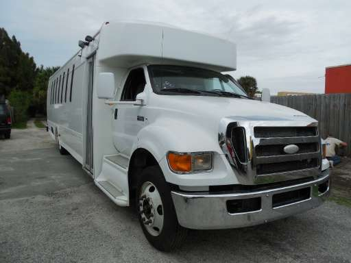 2009 FORD F650 Bus