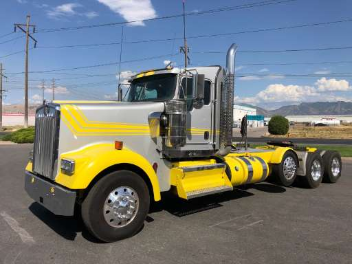 2016 KENWORTH W900 Conventional - Day Cab