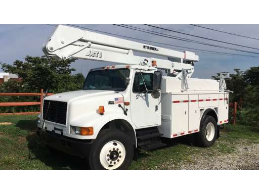 2001 INTERNATIONAL 4700 Bucket Truck - Boom Truck